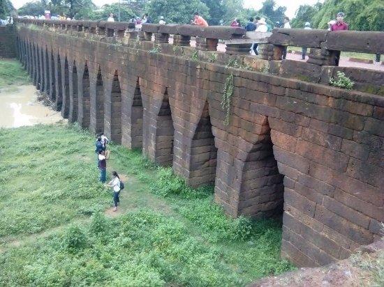 cầu cổ Kampong Kdei
