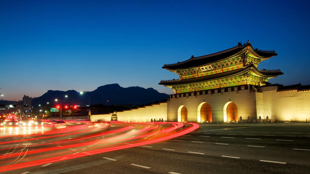 Du lịch Hàn Quốc - Quảng trường Gwanghwamun